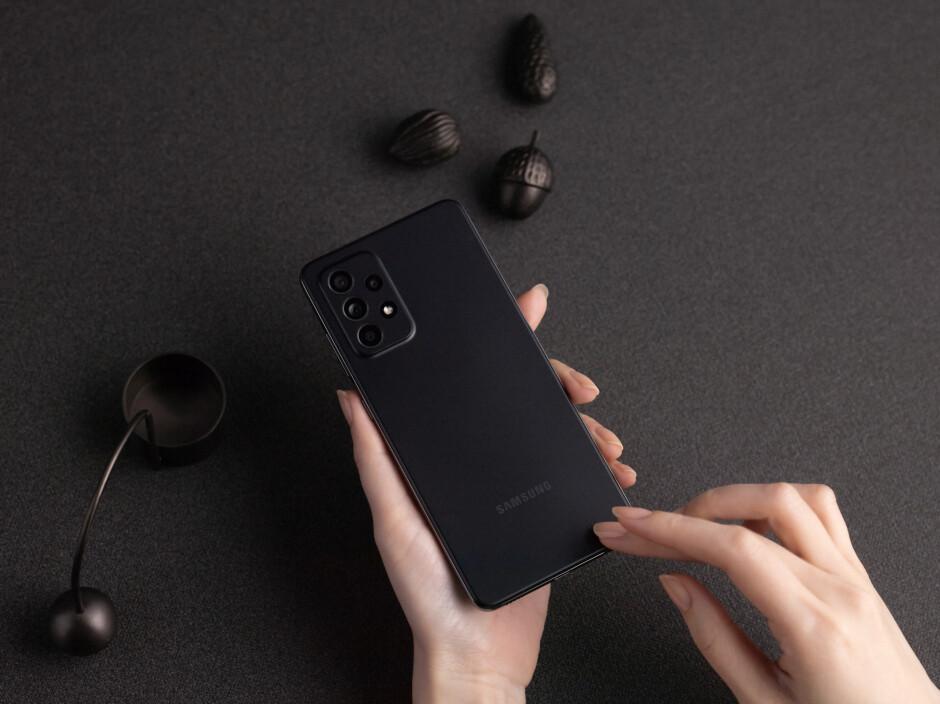 گوشیهای سامسونگ گلکسی A52 و سامسونگ گلکسی A72 معرفی شدند - آیکلاریفاید